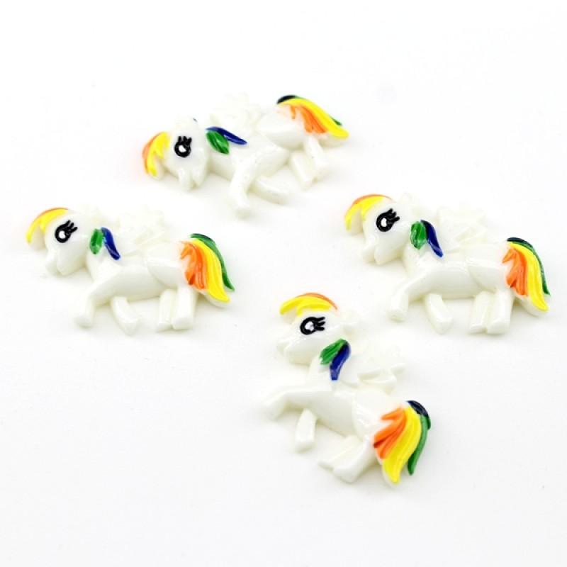Кабошон Белый Пони #5852