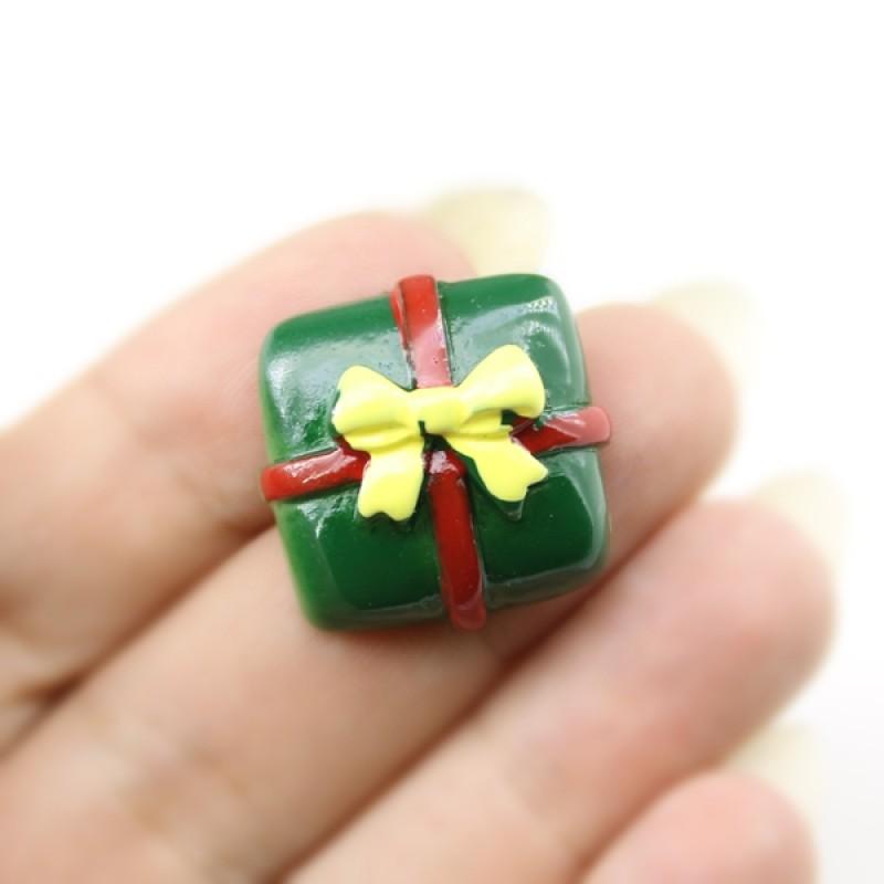 Кабошон Подарок зелёный #5825