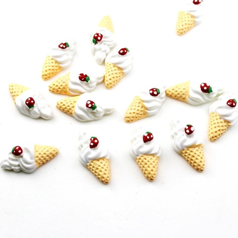 Кабошон Мороженка с клубничкой #5378
