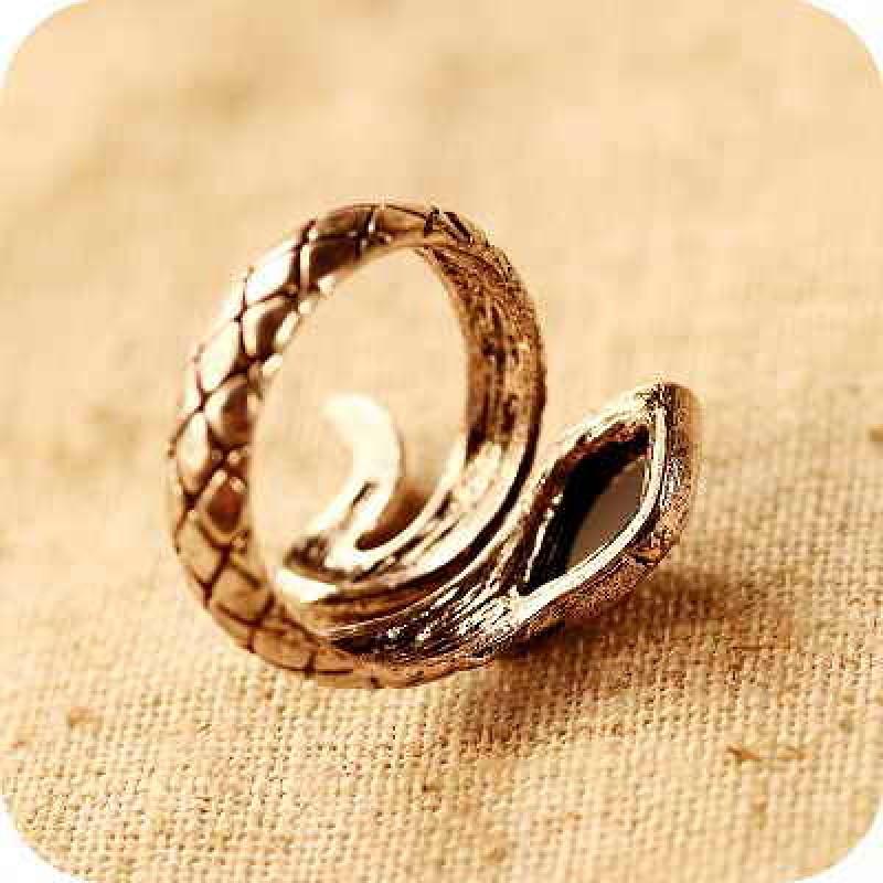 Кольцо Змейка с черным камнем #3484