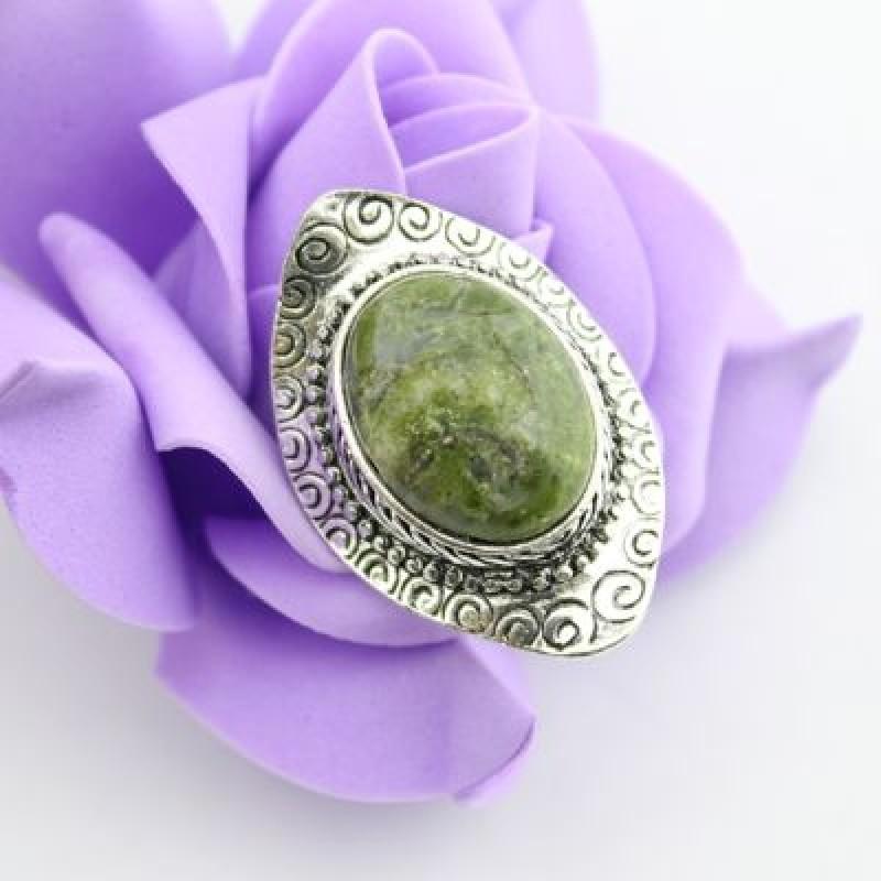 Кольцо с камнем #3054