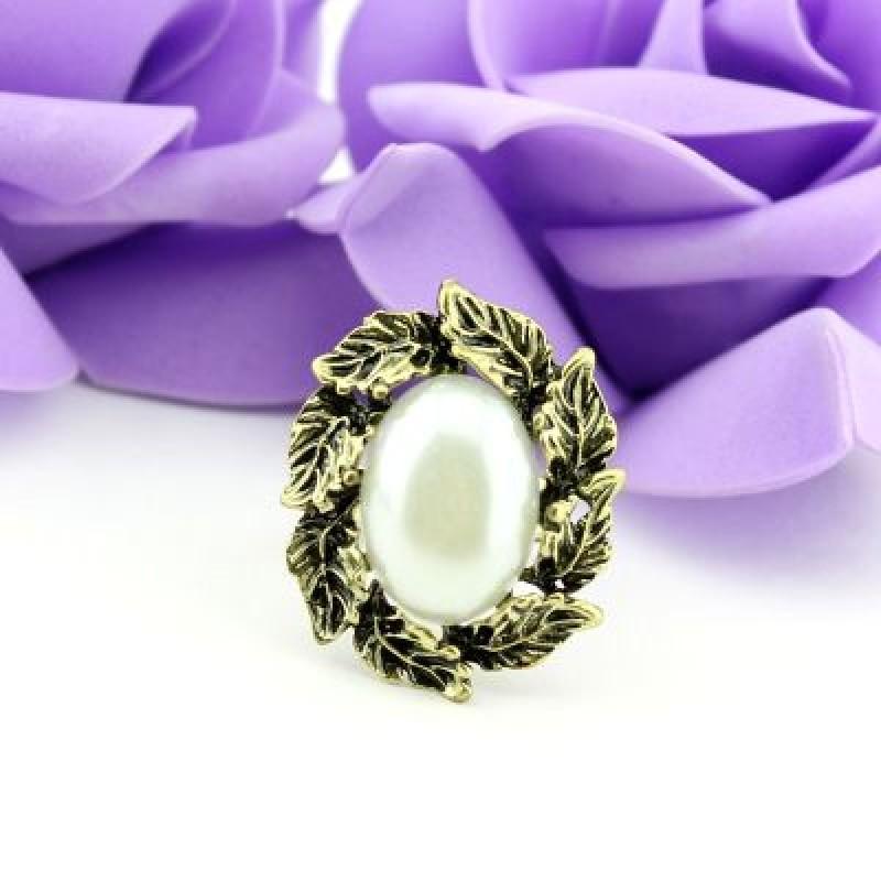 Кольцо с Овальным камнем и Листочками #2126