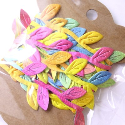 Лента из листьев 2 метра Разноцветный #10390
